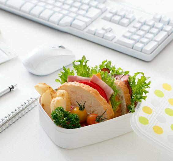 articoli gestire la pausa pranzo Dott.ssa Elettra Terzani Nutrizionista